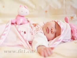 如果给宝宝穿睡衣?