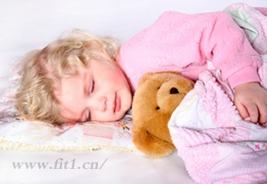 如何和孩子分床睡?